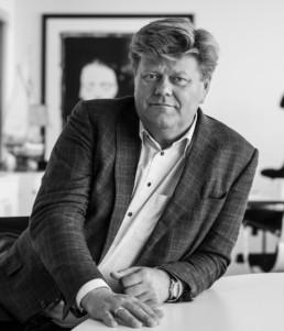 Portret av Morten Jakhelln i svarthvitt. Foto: Christine Karijord