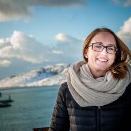 Sigrid Ingebrigtsen med fjell i bakgrunnen. Foto: Christine Karijord