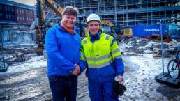 Morten og Nordconsult på hotelltomta. Foto: Christine Karijord/Hundholmen Byutvikling